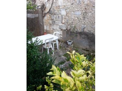 QUARTIER SAINT BONNET STUDIO meublé avec jardin, bourges