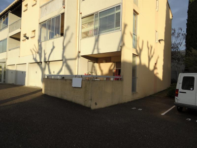 Appartement loué proche commerces avec jardin et terrasse, bagnols sur ceze