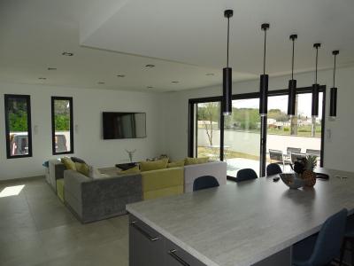 Superbe villa contemporaine, uzes