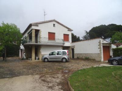 BAGNOLS SUR CEZE - Villa dans quartier résidentiel proche commerces, bagnols sur ceze